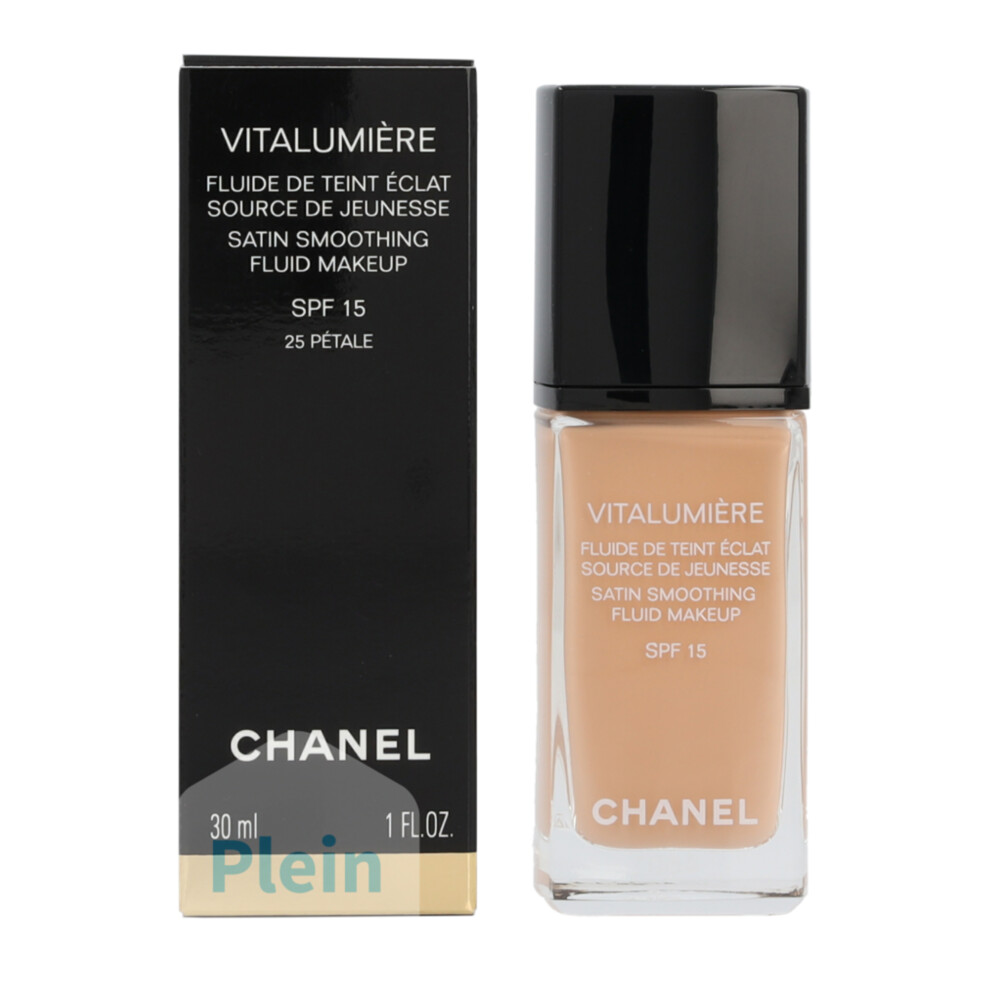 Chanel Vitalumière Fluide foundation 25 Pétale
