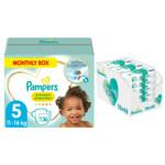 Pampers Premium Protection maandbox maat 5 136 luiers en Aqua Pure 864 billendoekjes Pakket